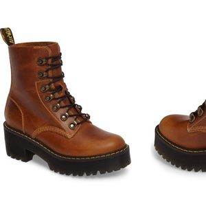 Dr Marten Leona Heeled Boot / Size UK4/US6